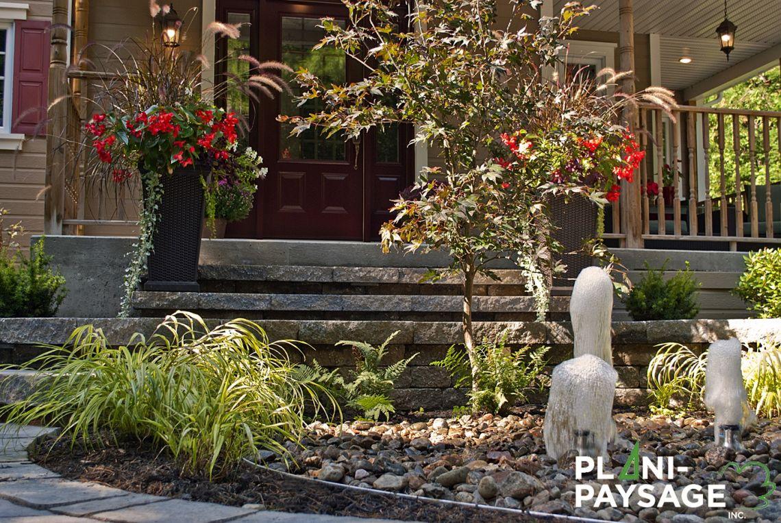 Am nagement d 39 un jardin en fa ade avec fontaines plani paysage - Amenagement d un jardin ...