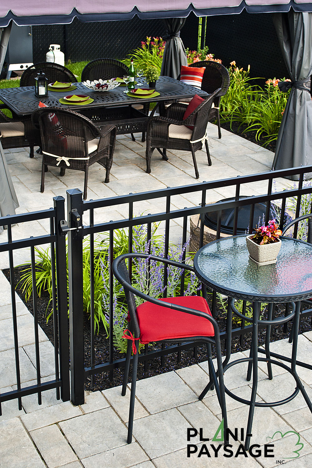 Coin bistro ext rieur repentigny plani paysage for Idee paysagement exterieur