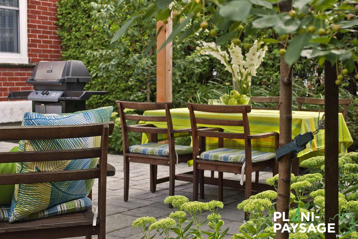 Repas ext rieur dans un jardin de ville plani paysage for B b un jardin en ville brussels