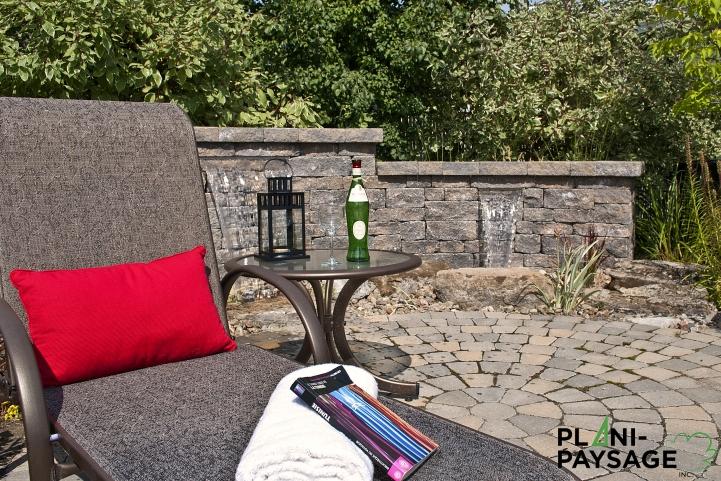patio extérieur avec jardin d'eau