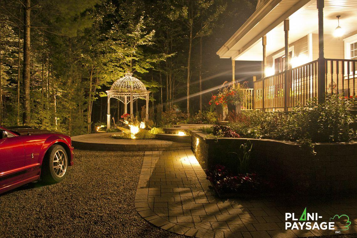 clairage ext rieur devant maison de style classique. Black Bedroom Furniture Sets. Home Design Ideas