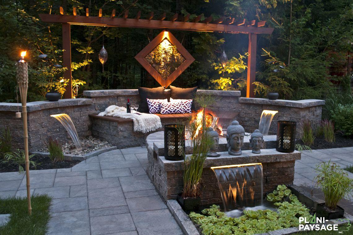 Jardin zen de m ditation dans une cour de banlieue for Jardin contemporain zen