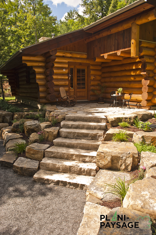 Am nagement ext rieur maison bois rond plani paysage for Materiaux exterieur de maison